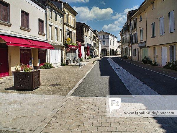 Empty main shopping street during coronavirus lock down  Lauzun  Lot-et-Garonne Department  Nouvelle Aquitaine  France.