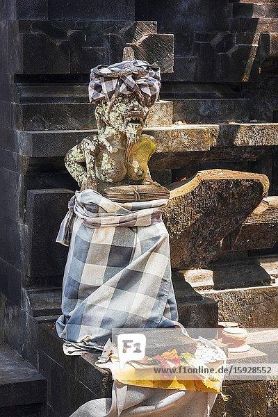 Statues at Pura Kramat Ratu Mas Sakti temple  Seseh  Bali  Indonesia.