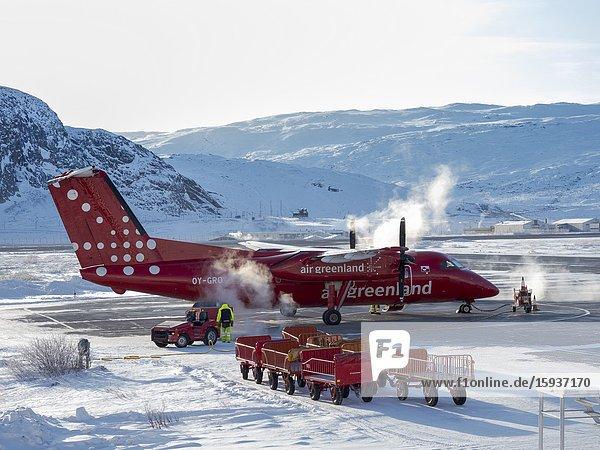 Kangerlussuaq Flughafen im Winter  das Drehkreuz fuer ganz Groenland. Amerika  Nordamerika  Groenland  Daenemark.