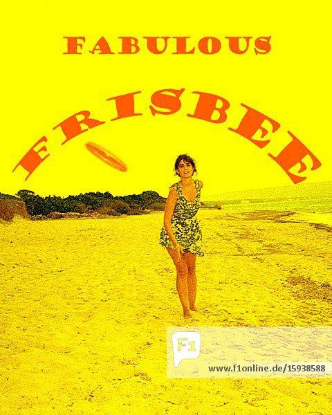 Woman Tossing Frisbee on Beach 'Fabulous Frisbee'  3D Stereo Effect