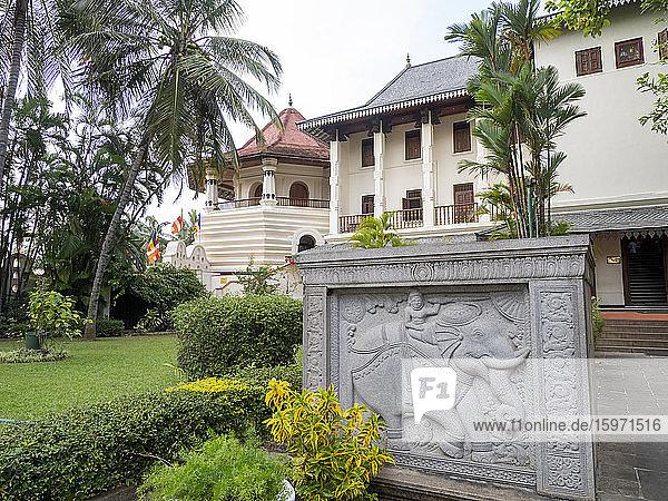 Sri Dalada Maligawa (Tempel der heiligen Zahnreliquie)  UNESCO-Weltkulturerbe  Kandy  Sri Lanka  Asien