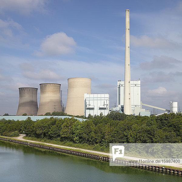 Germany  North Rhine-Westphalia  Werne  Bank of Lippe river and Gersteinwerk power station