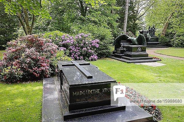 Grab von Margarethe Krupp  Familienfriedhof der Industriellenfamilie Krupp  Friedhof Bredeney  Essen  Ruhrgebiet  Nordrhein-Westfalen  Deutschland  Europa