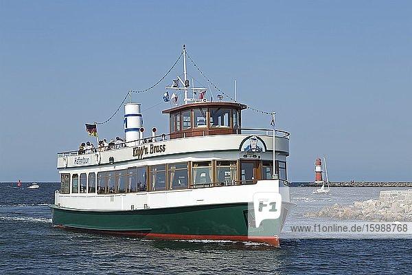 Excursion boat on the Unterwarnow  Warnemünde  Rostock  Mecklenburg-Western Pomerania  Germany  Europe