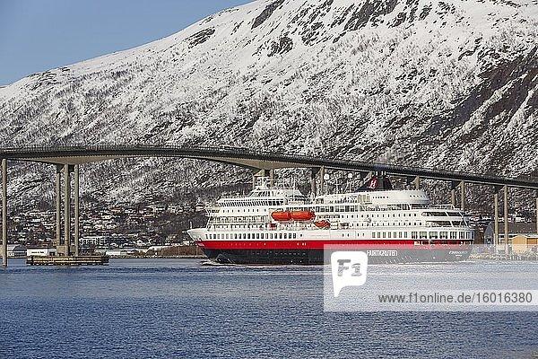 Hurtigruten vessel MS Finnmarken under the Tromsø Bridge  Tromsøysund  Tromsø  Troms  Norway  Europe