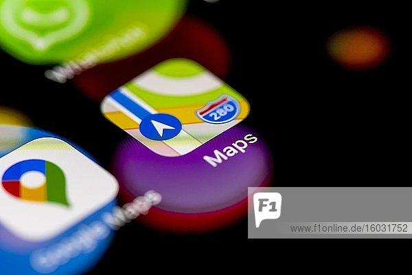 Apple Maps Icon  App Icons auf einem Handy Display  iPhone  Smartphone  Nahaufnahme