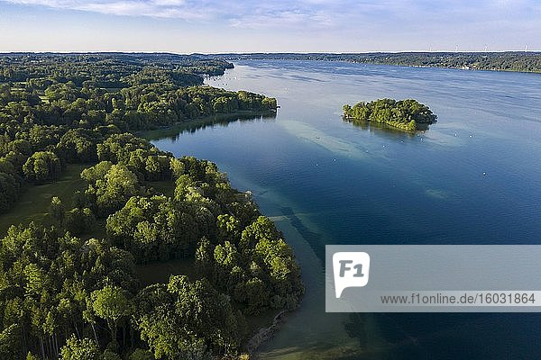 Luftaufnahme der Roseninsel im Starnberger See  Oberbayern  Bayern  Deutschland  Europa