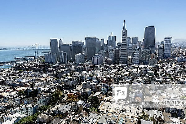Skyline  Downtown  hinten Bay Bridge  San Francisco  Kalifornien  USA  Nordamerika