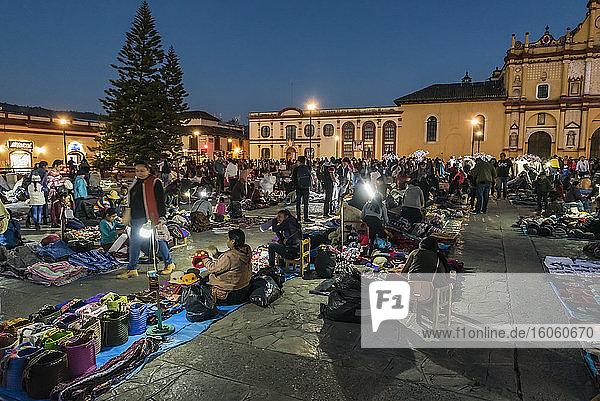 Crafts Market in Plaza del Zocalo  or Cathedral Square; San Cristobal de las Casas  Chiapas  Mexico