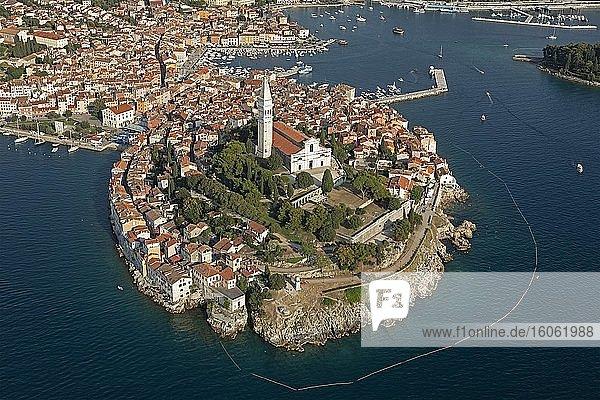 Luftaufnahme der Altstadt von Rovinj  Weltkulturerbe  Istrien  Kroatien  Europa
