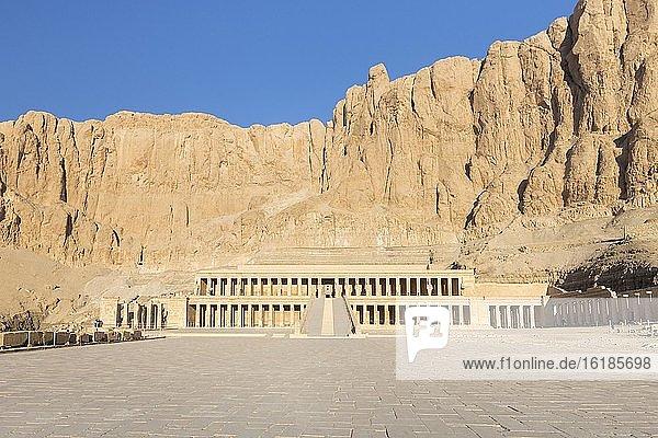 Hatschepsut-Tempel von Deir Al Bahari  Luxor  Ägypten  Afrika