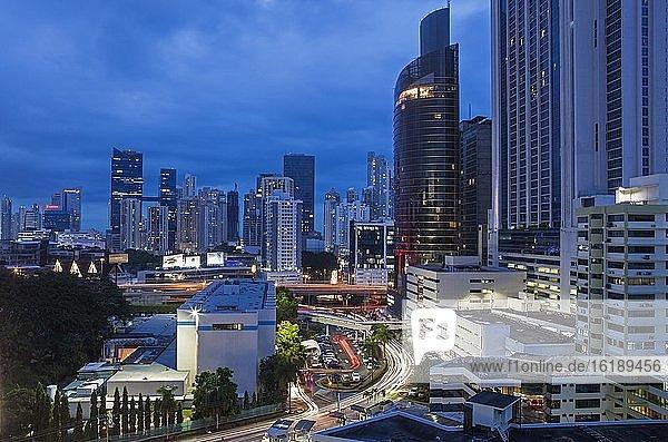 Bezirk Marbella bei Nacht  Panama City  Panama  Mittelamerika