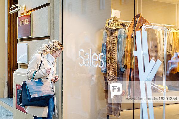 Woman on shopping spree  Firenze  Toscana  Italy