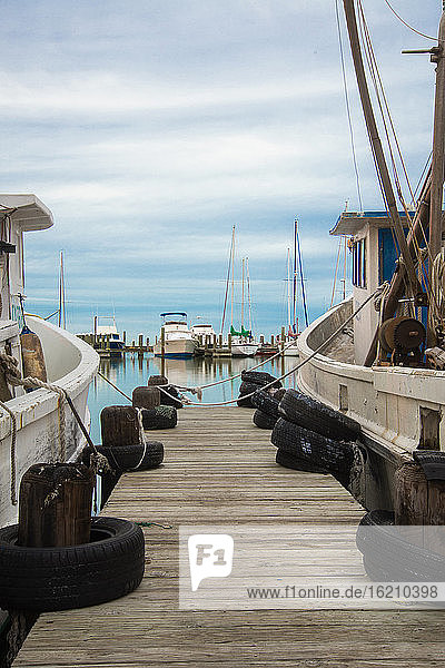 USA  Texas  Rockport-Fulton  Fishing boats at Gulf of Mexico