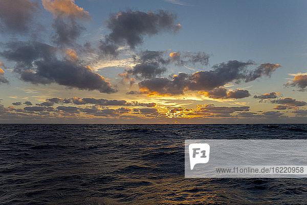 Europa  Mittelmeer  Sonnenuntergang