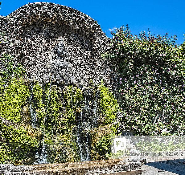 Italien  Latium  Tivoli  Brunnen im Garten der Villa d'Este (UNESCO-Welterbe)  Renaissance
