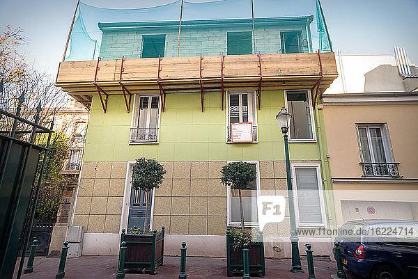 Aufstockung eines individuellen Stadthauses in Frankreich