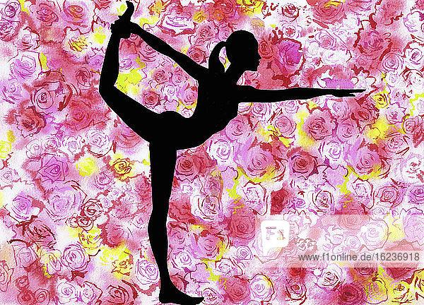 Silhouette einer Frau in Natarajasana-Yogapose