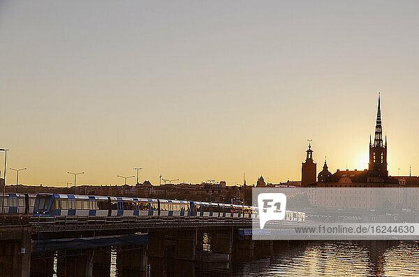 Stockholmer Gebäude bei Sonnenuntergang  Schweden