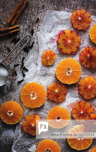 Konservierte Clementinen- und Blutorangenscheiben