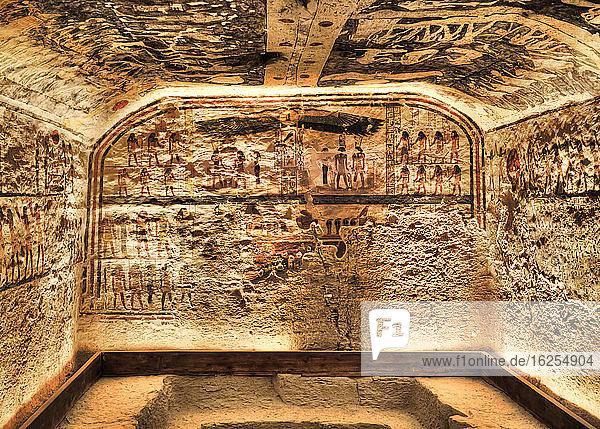 Fresken  Grabkammer  Grabmal von Ramses IX  KV6  Tal der Könige  UNESCO-Weltkulturerbe; Luxor  Ägypten