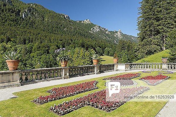 Castle park above the stairs  Linderhof Castle  Ammergebirge  Upper Bavaria  Bavaria  Germany  Europe