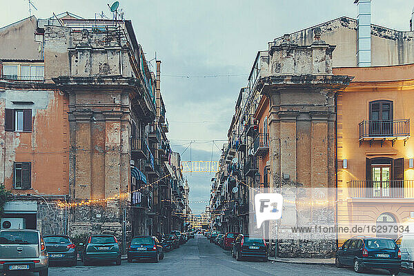 Italy  Sicily  Palermo  Street view in evening light