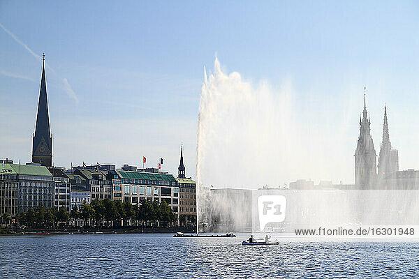 Germany  Hamburg  Inner Alster and Alster fountain