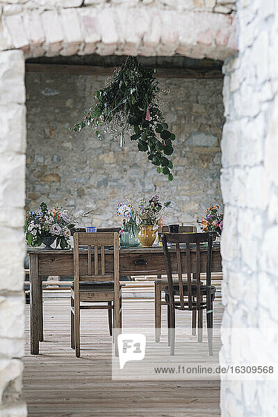 Wedding chair and table arrangement in a room