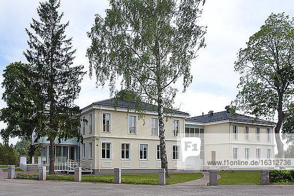 Großes Haus auf dem Anwesen