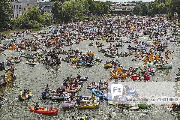 Nabada  event on Schwörmontag  boats  water vehicles  people on the Danube  Ulm  Baden-Württemberg  Germany  Europe