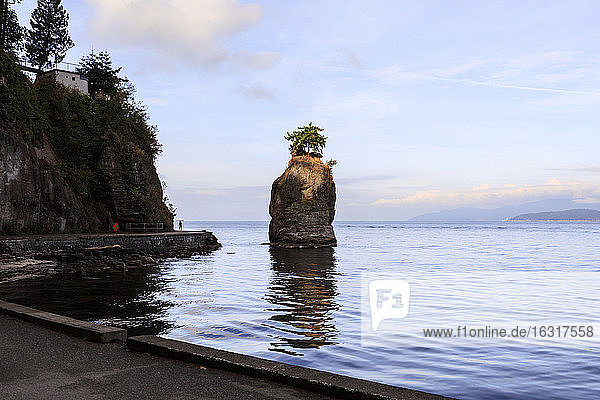 Siwash Rock and Stanley Park Seawall  Vancouver City  British Columbia  Canada  North America