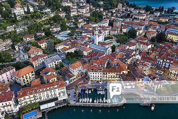 Luftaufnahme  Menaggio am morgen  Comer See  Lago di Como  Provinz Como  Lombardei  Italien  Europa