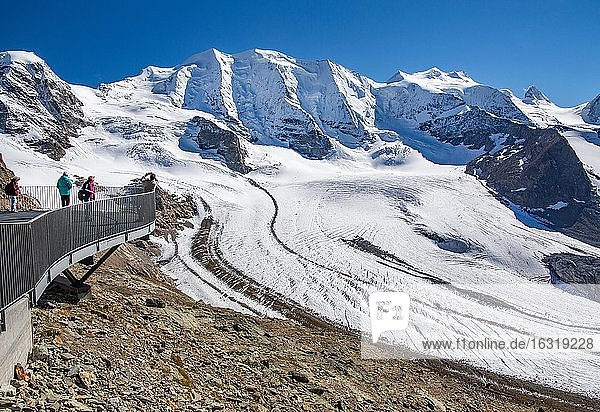 Panoramic terrace on the Diavolezza with Piz Palü and Persglacier  Vadret Pers  Pontresina  Bernina Alps  Upper Engadine  Engadine  Grisons  Switzerland  Europe