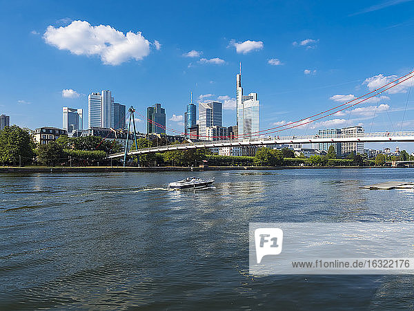 Germany  Hesse  Frankfurt  Financial district  Holbeinsteg bridge over Main river