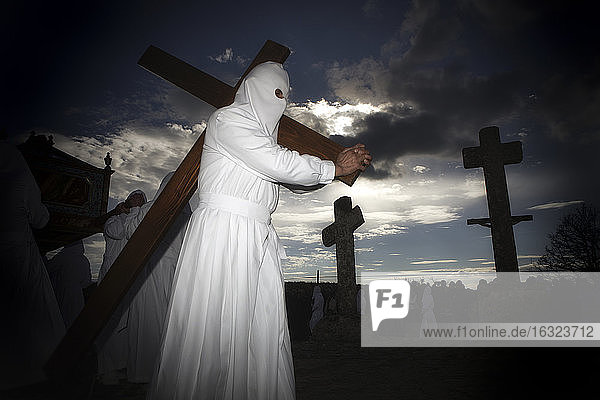 Spain  Bercianos De Aliste  penitents of the Santo Entierro brotherhood during the Good Friday procession