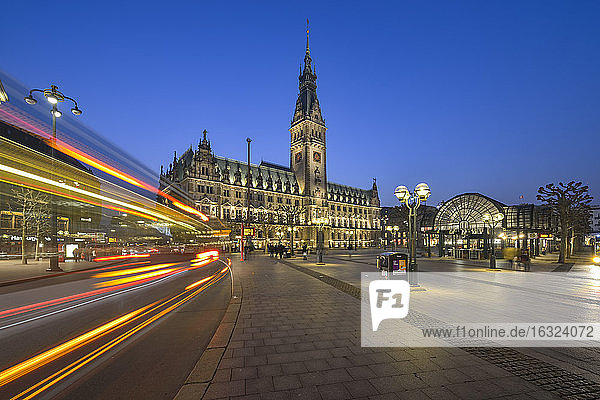 Germany  Hamburg  City hall at night