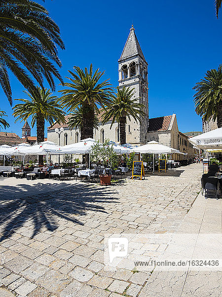 Croatia  Dalmatia  Trogir  old town  Cathedral of St. Lawrence