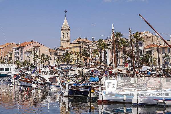 France  Provence-Alpes-Cote d'Azur  Department Var  Sanary-sur-Mer  Harbour