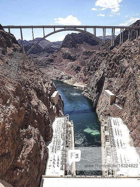 USA  Nevada  Mike O'Callaghan-Pat Tillman Memorial Bridge  Colorado river power station  view from Hoover Dam