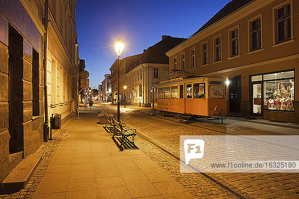 Poland  Bydgoszcz  Dluga street at night