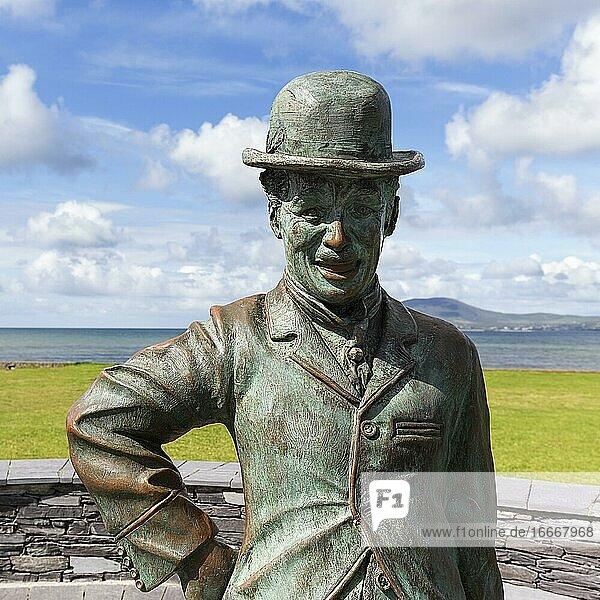 Bronze statue of Charlie Chaplin  sculptor Alan Ryan Hall  Waterville  Ring of Kerry  Wild Atlantic Way  Ireland  Europe