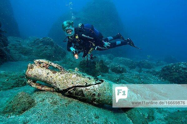 Divers and antique amphora type Dressel 2-4  Mediterranean Sea  Turkey  Asia