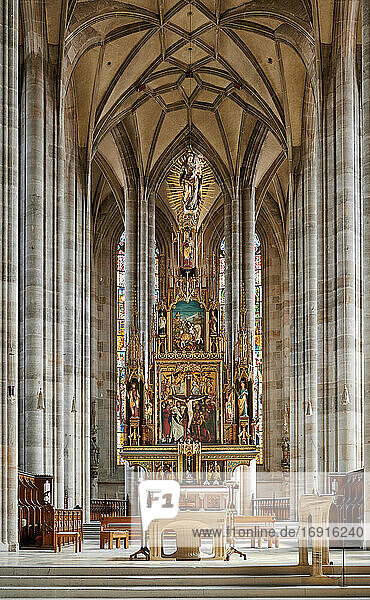 Innenaufnahme des Münster St. Georg  Dinkelsbühl  Mittelfranken  Bayern  Deutschland |interior shot of church Munster St. Georg  Dinkelsbuehl  Central Franconia  Bavaria  Germany|