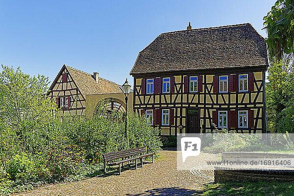 Haus  Fachwerk  historisch  erbaut 1738