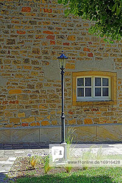 Kirche  protestantisch  Kirchgarten