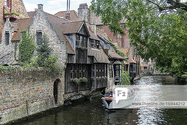 Rozenhoedkaai  Brügge  UNESCO-Weltkulturerbe  Belgien  Europa