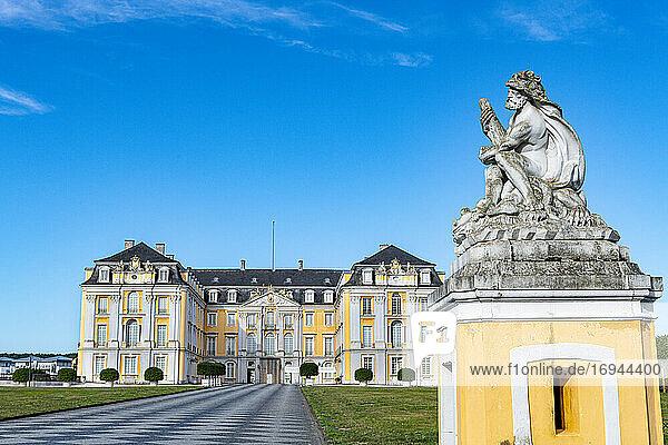 Schloss Augustusburg  UNESCO-Welterbe  Bruhl  Nordrhein-Westfalen  Deutschland  Europa