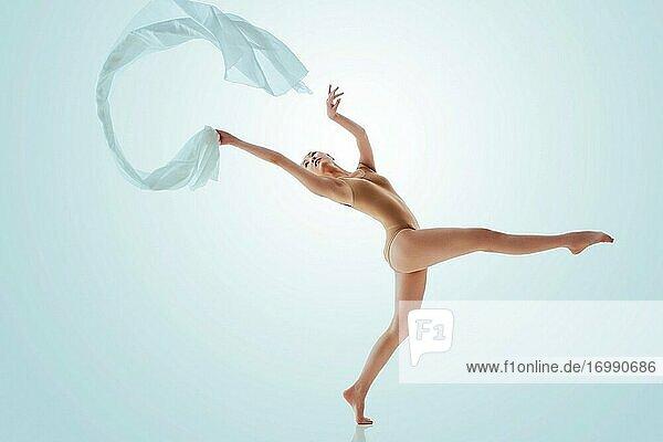 Young women to dance