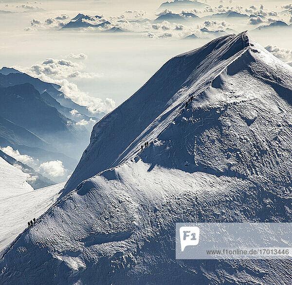 Schweiz  Monte Rosa  Luftaufnahme des Bergrückens im Monte-Rosa-Massiv